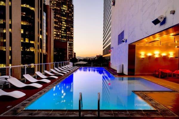 Bâche à bulle piscine : faire le bon choix !