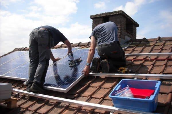 Installation panneaux solaires : comment le faire étape par étape ?