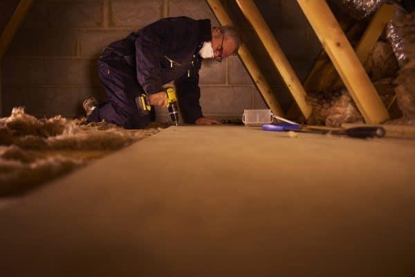 Comment faire un ragréage sur un plancher bois ?