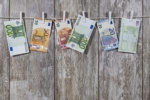 Qui paye la taxe foncière en cas de vente en viager ?
