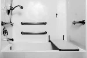 Rénovation d'une salle de bain pour les personnes âgées